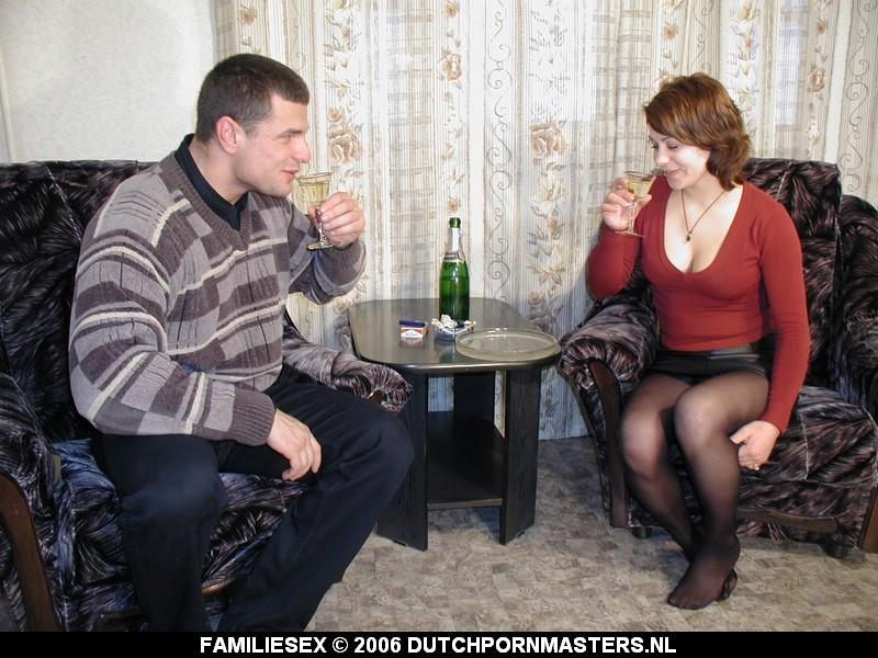 Met wat drank op worden broer en zus geil.